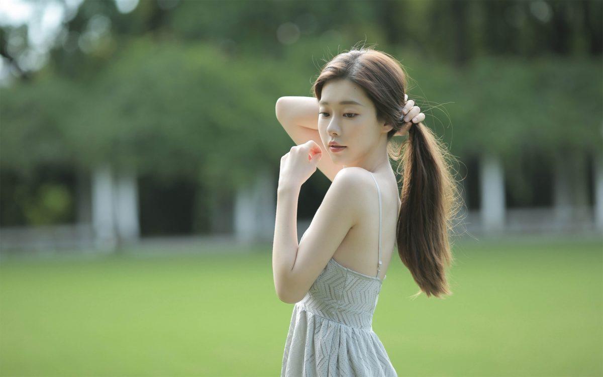 素雅吊带裙美女清新摄影